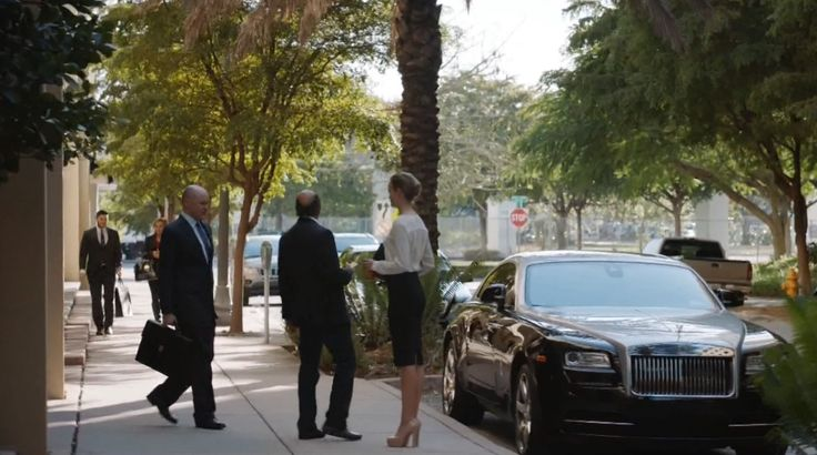 Rolls-Royce Wraith Car in BALLERS: HEAD-ON (2015) TV Show Product Placement