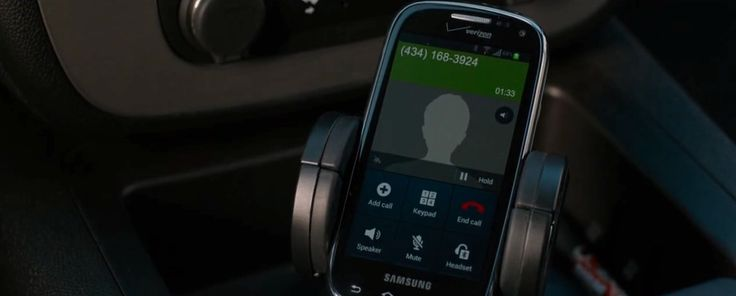 Samsung Galaxy x Verizon mobile phone used by Kevin Costner in DRAFT DAY (2014) Movie Product Placement