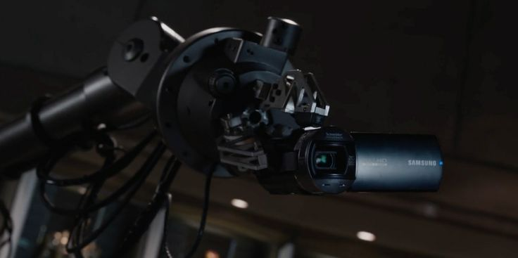 Samsung HMX-Q10 Full HD camcorder - IRON MAN 3 (2013) Movie Product Placement