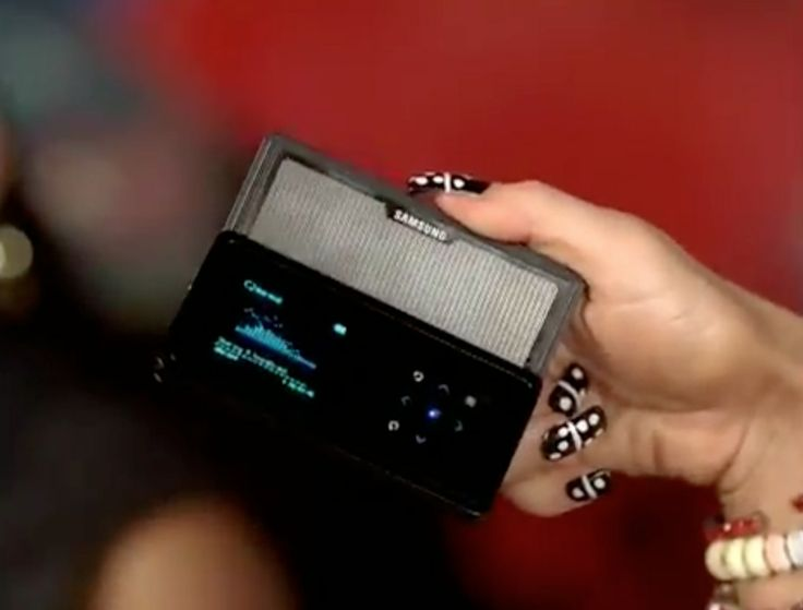 Samsung K5 mobile phone used by Fergie in Fergalicious (2009) - Official Music Video Product Placement