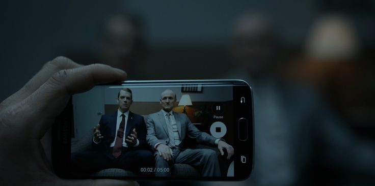 Samsung android smartphone in HOUSE OF CARDS: CHAPTER 51 (2016) - TV Show Product Placement