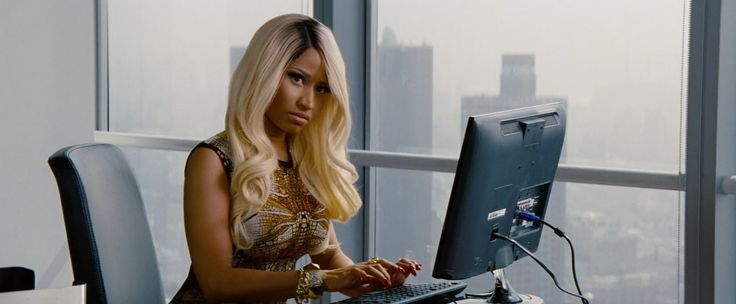 Samsung monitor used by Nicki Minaj in THE OTHER WOMAN (2014) Movie Product Placement