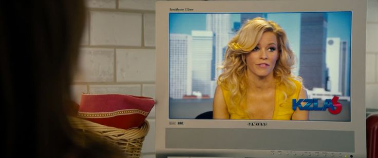 Samsung SyncMaster 173MW TV in WALK OF SHAME (2014) Movie Product Placement