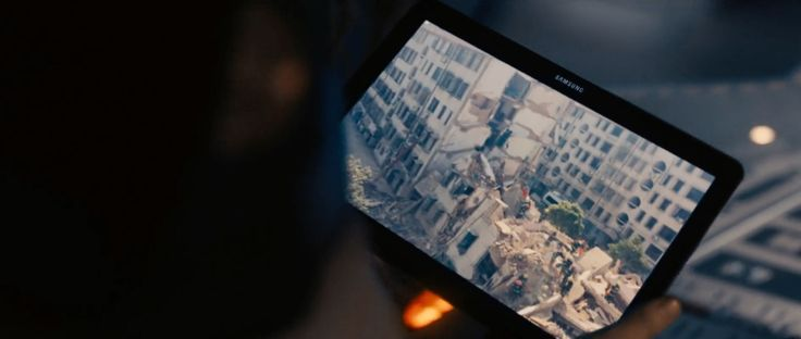 Samsung tablet - AVENGERS: AGE OF ULTRON (2015) - Movie Product Placement