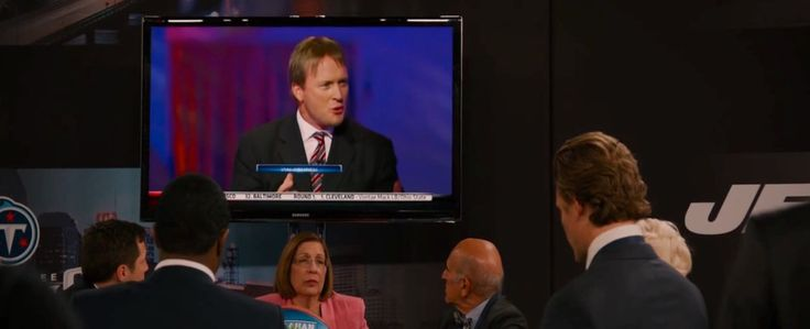 Samsung TV in DRAFT DAY (2014) TV Show Product Placement