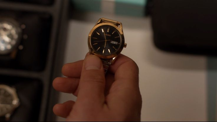 Seiko Watches - RAY DONOVAN: FISH AND BIRD (2016) TV Show Product Placement