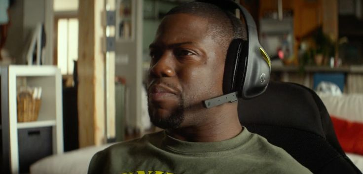 Skullcandy SLYR headset worn by Kevin Hart in Ride Along (2014) Movie Product Placement