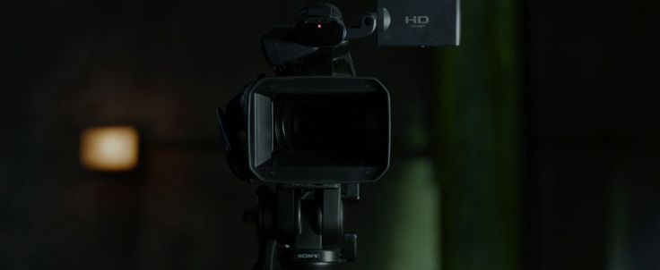 Sony AVCHD camcorder in THE AMAZING SPIDER-MAN (2012) Movie Product Placement