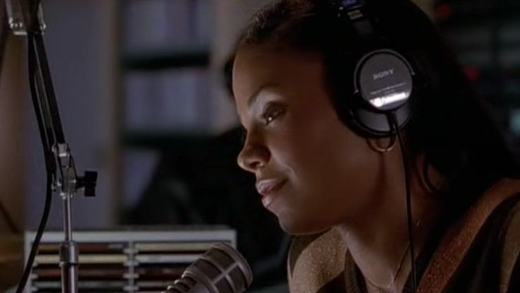 Sony headphones in BROWN SUGAR (2002) Movie Product Placement