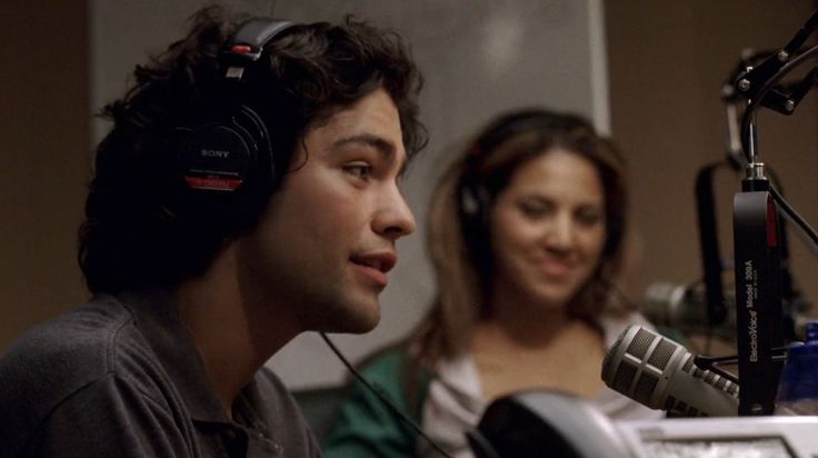 Sony headphones worn by Adrian Grenier in ENTOURAGE: DATE NIGHT (2004) TV Show Product Placement