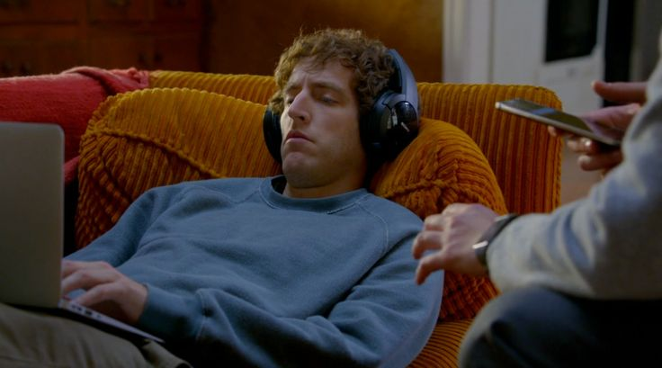 Sony MDR-RF865RK headphones - Silicon Valley - TV Show Product Placement