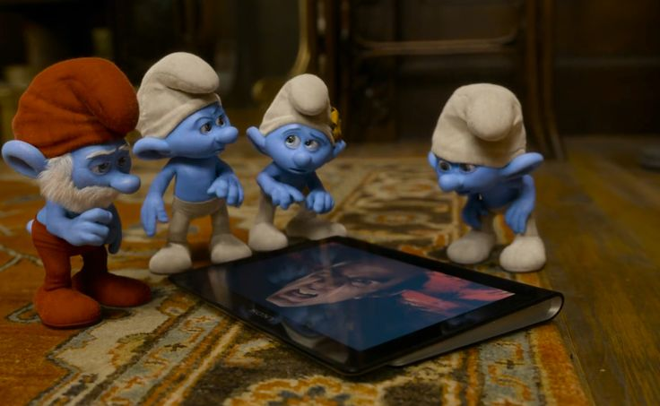 Sony tablet in THE SMURFS 2 (2013) Animation Movie Product Placement