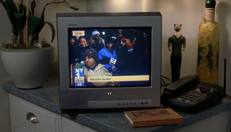 Sony TV in ELF (2003) Movie Product Placement