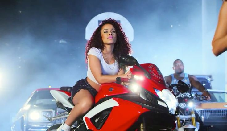 Suzuki GSX-R 750 motorcycle in GDFR by Flo Rida (2014) Official Music Video Product Placement