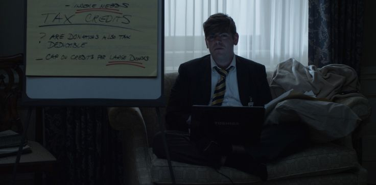 Toshiba laptop in HOUSE OF CARDS: CHAPTER 2 (2013) TV Show Product Placement