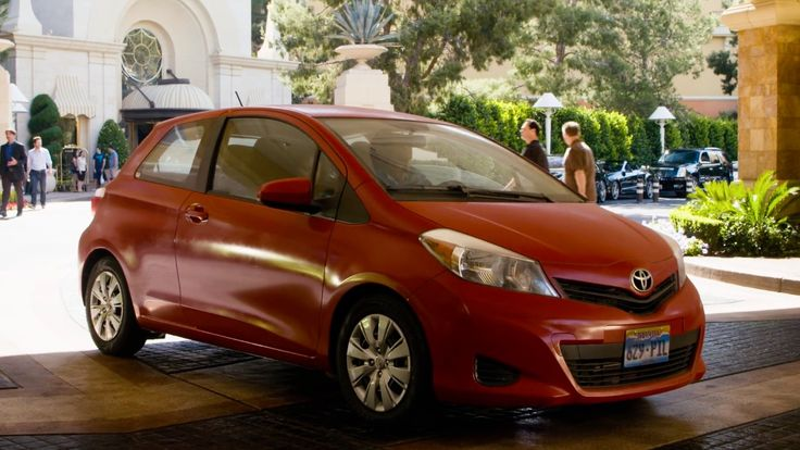 Toyota Yaris Car - Paul Blart: Mall Cop 2 (2015) Movie Product Placement