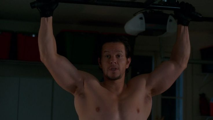 Under Armour gloves worn by Mark Wahlberg in DADDY'S HOME (2015) Movie Product Placement