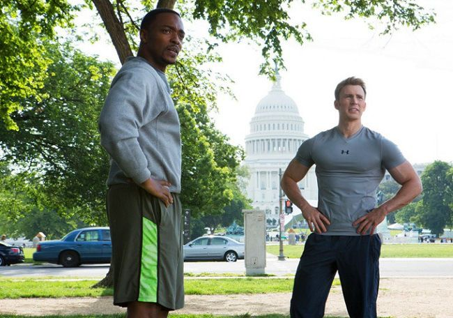 Under Armour t-shirt worn by Chris Evans in CAPTAIN AMERICA: THE WINTER SOLDIER (2014) Movie Product Placement