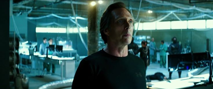 Under Armour t-shirt worn by William Fichtner in TEENAGE MUTANT NINJA TURTLES (2014) Movie Product Placement