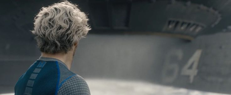 Under Armour Blue T-Shirt - AVENGERS: AGE OF ULTRON (2015) Movie Product Placement