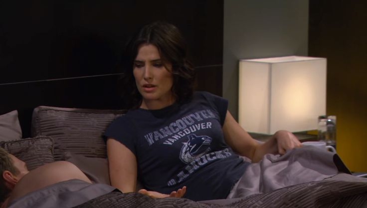 Vancouver Canucks t-shirt worn by Cobie Smulders in HOW I MET YOUR MOTHER: THE FORTRESS (2013) TV Show Product Placement