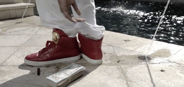 Versace shoes worn by Soulja Boy in SPEND IT ALL (2015) Official Music Video Product Placement