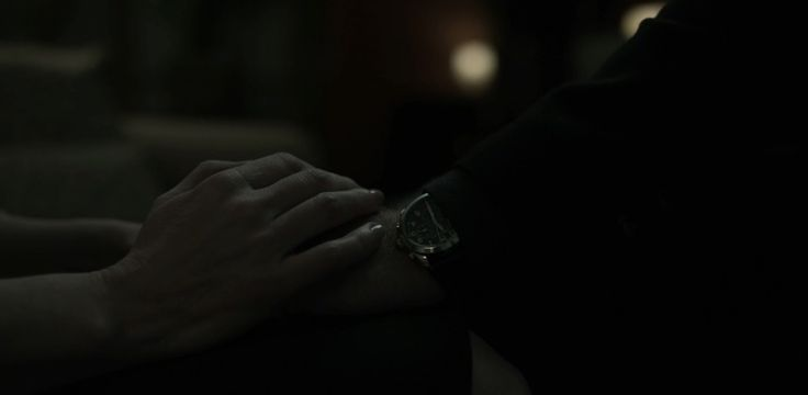 Victorinox Watches - HOUSE OF CARDS: CHAPTER 49 (2016) TV Show Product Placement
