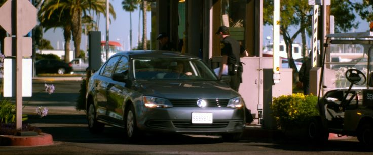 VW Jetta A6 [Typ 5K] car used by Krysten Ritter in VERONICA MARS (2014) Movie Product Placement