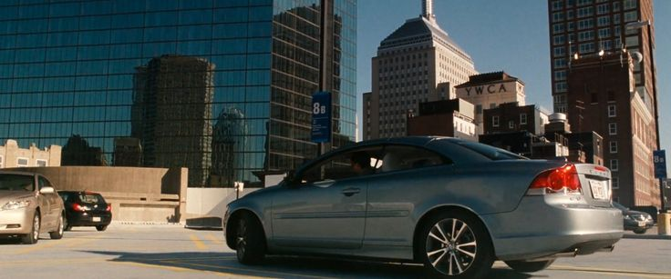 Volvo C70 car in KNIGHT AND DAY (2010) Movie Product Placement