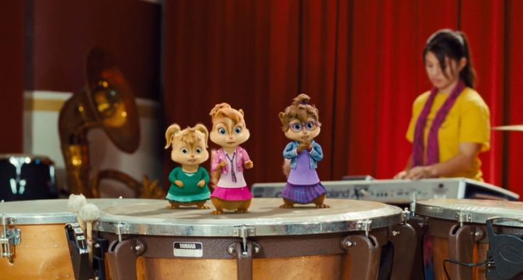 Yamaha drums in ALVIN AND THE CHIPMUNKS: THE SQUEAKQUEL (2009) Cartoon and Animation Movie Movie Product Placement