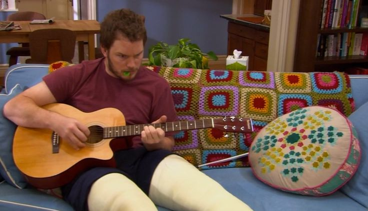 Yamaha guitar - PARKS AND RECREATION: THE BANQUET (2009) TV Show Product Placement