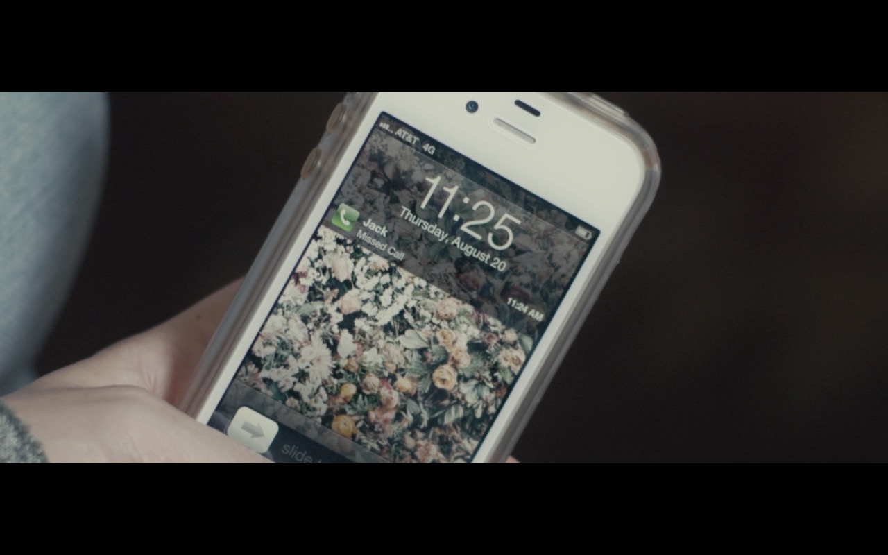 AT&T 4G And Apple iPhone 5/5S - Don't Think Twice (2016) - Movie Product Placement