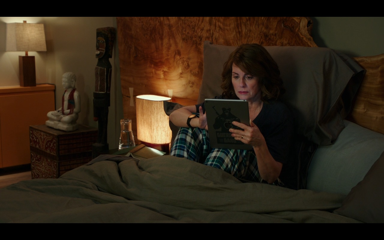 Apple iPad Tablets – Why Him? (2016) Movie Product Placement