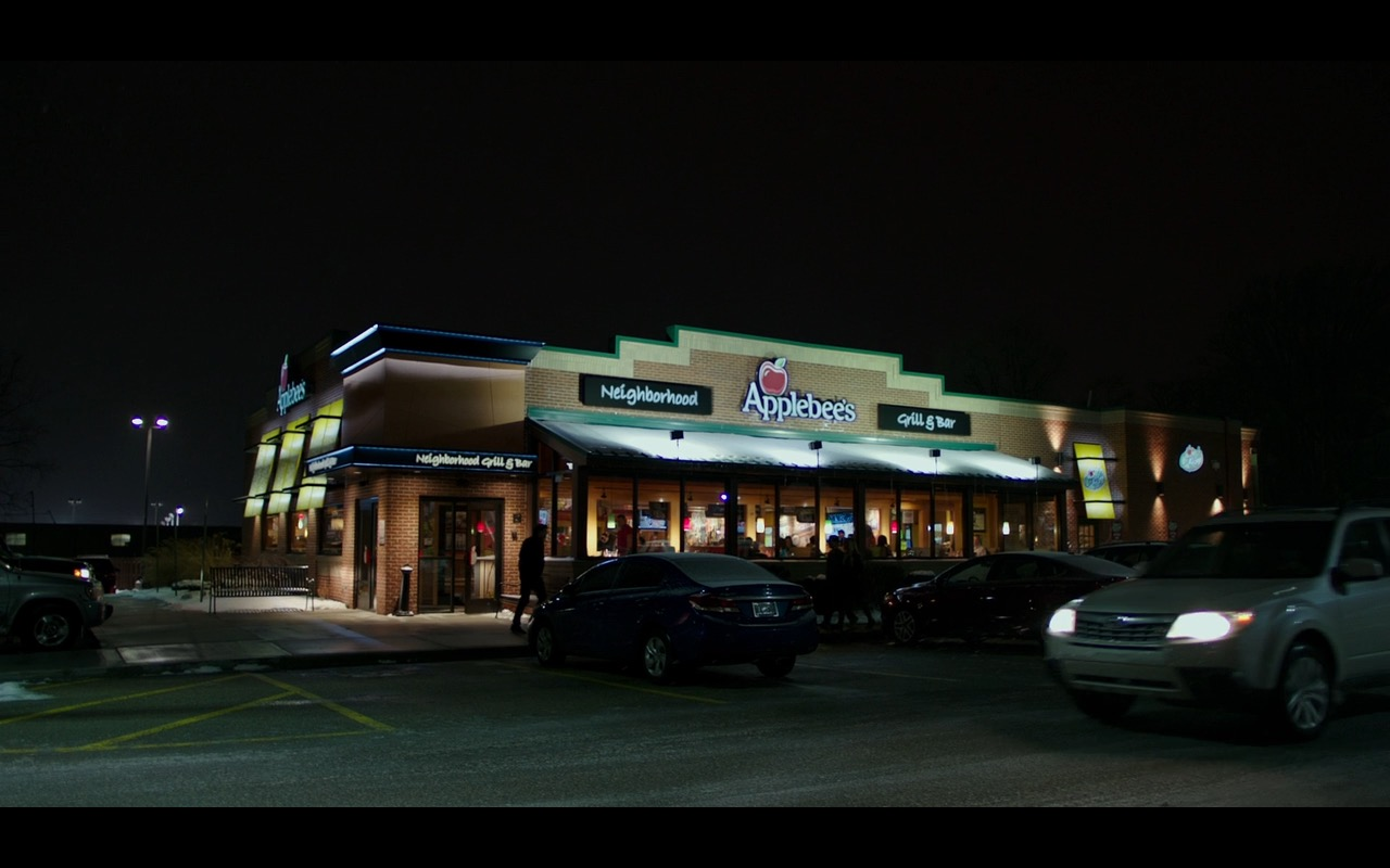 Applebee's - Why Him? (2016) Movie Product Placement