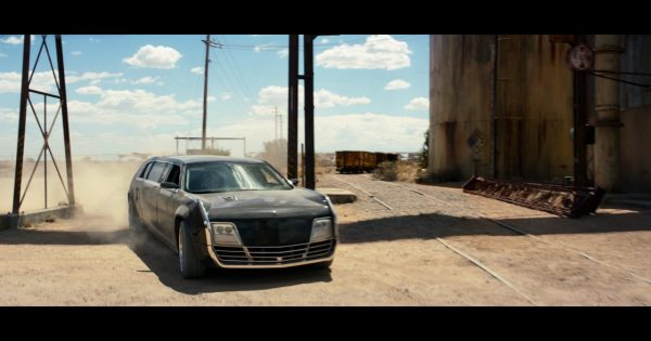 Lincoln Town Car 2016 >> Chrysler E8 Car (Limo) – Logan (2017) Movie Scenes