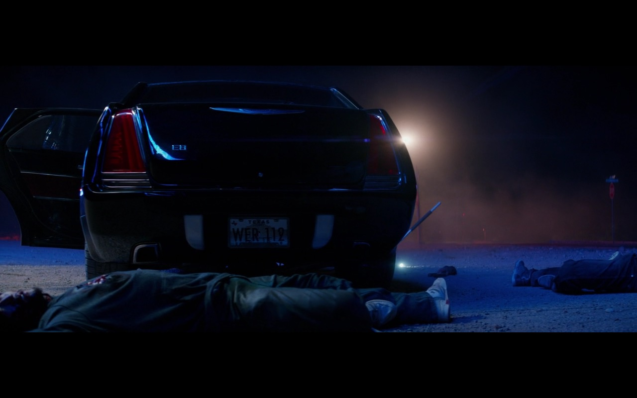 Chrysler E8 Car (Limo) - Logan (2017) - Movie Product Placement