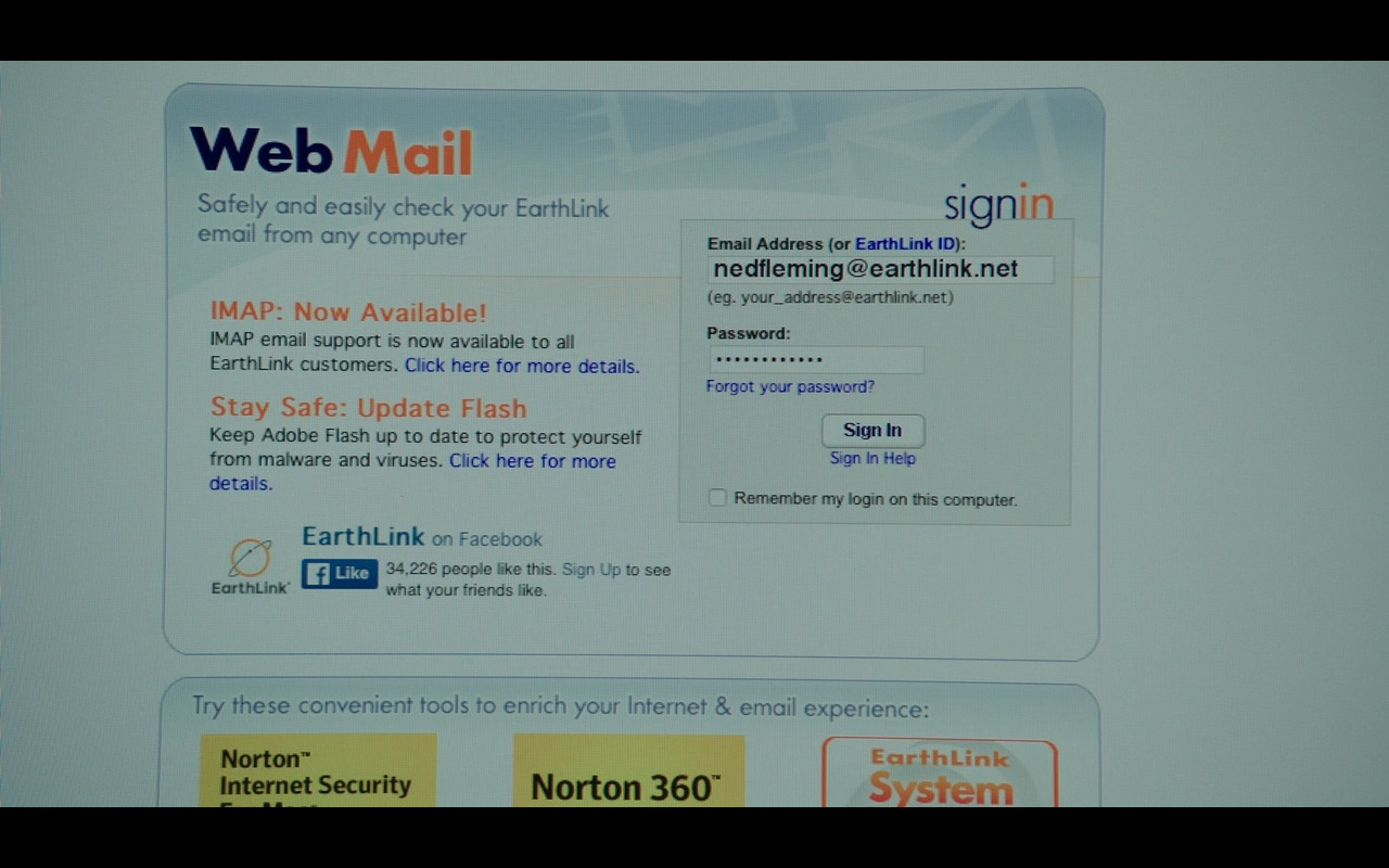 EarthLink Web Mail And Norton (Symantec) – Why Him? (2016) Movie Product Placement