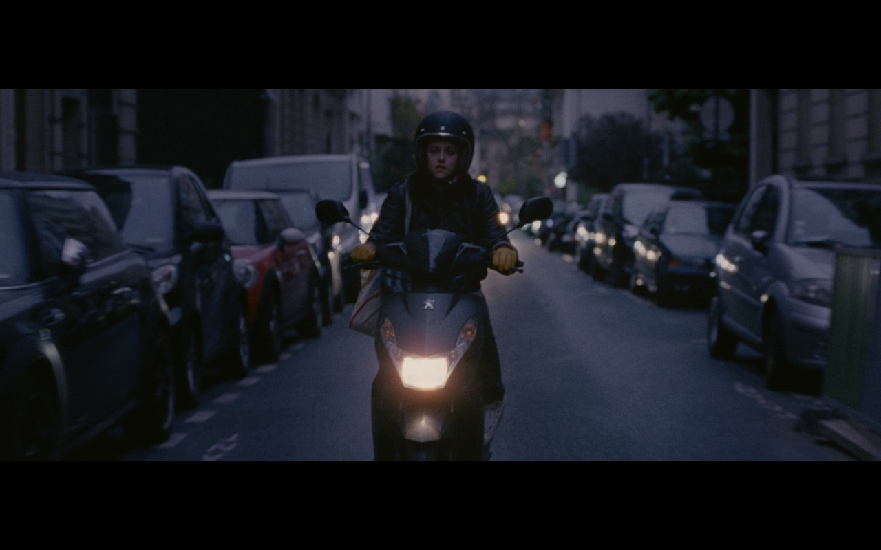 Kristen Stewart And Peugeot Scooter – Personal Shopper (2016) Movie Product Placement
