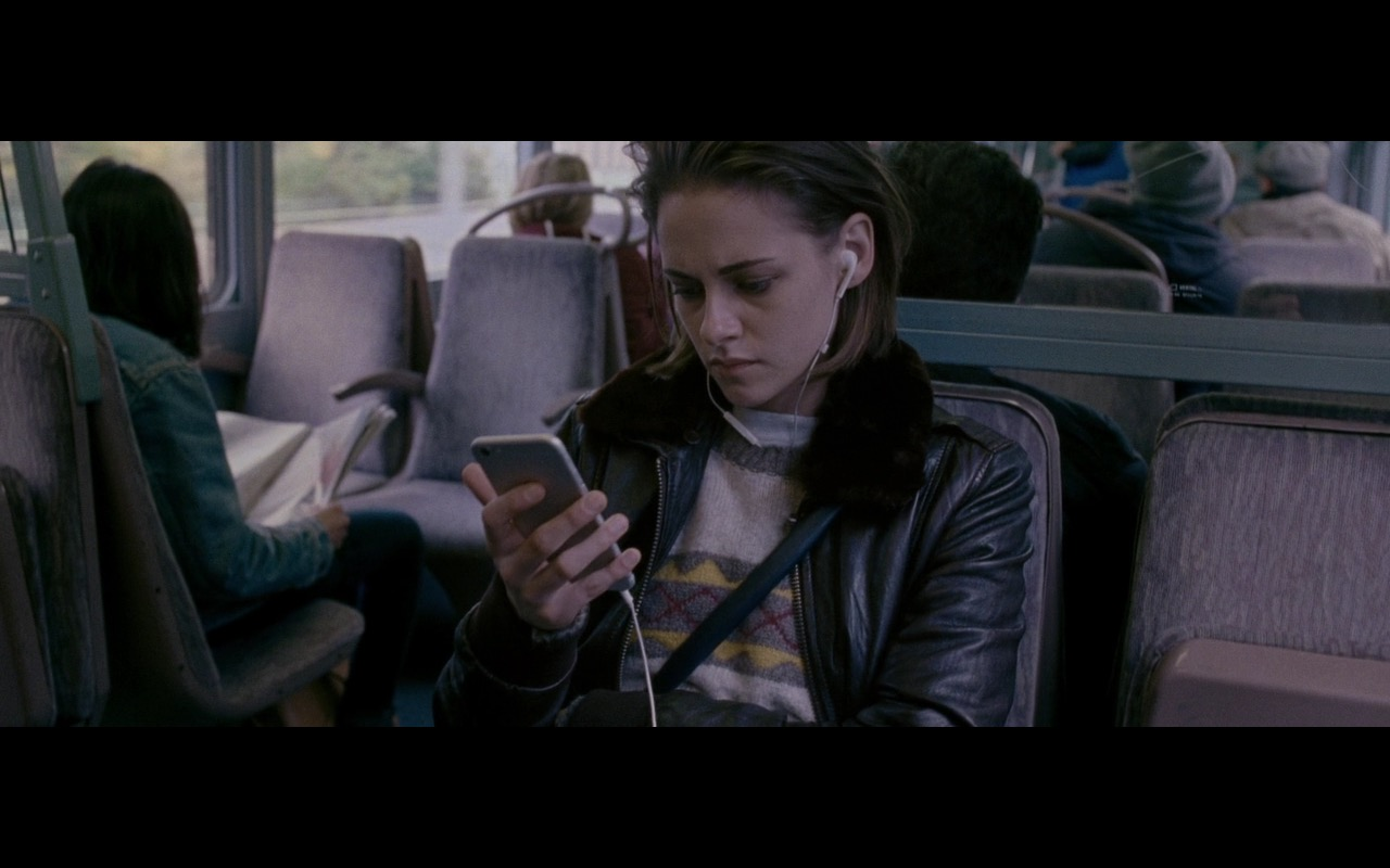 Apple iPhone 6/6S – Personal Shopper (2016) Movie Product Placement