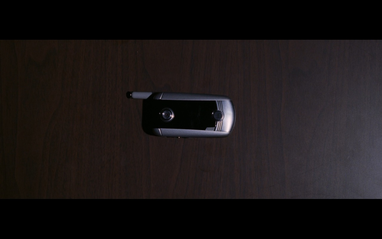 Motorola mobile phone - THE DEPARTED (2006) Movie Product Placement