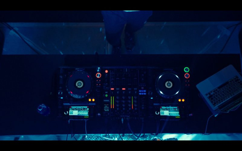 Pioneer DJ Equipment – Why Him 2016 Movie (1)