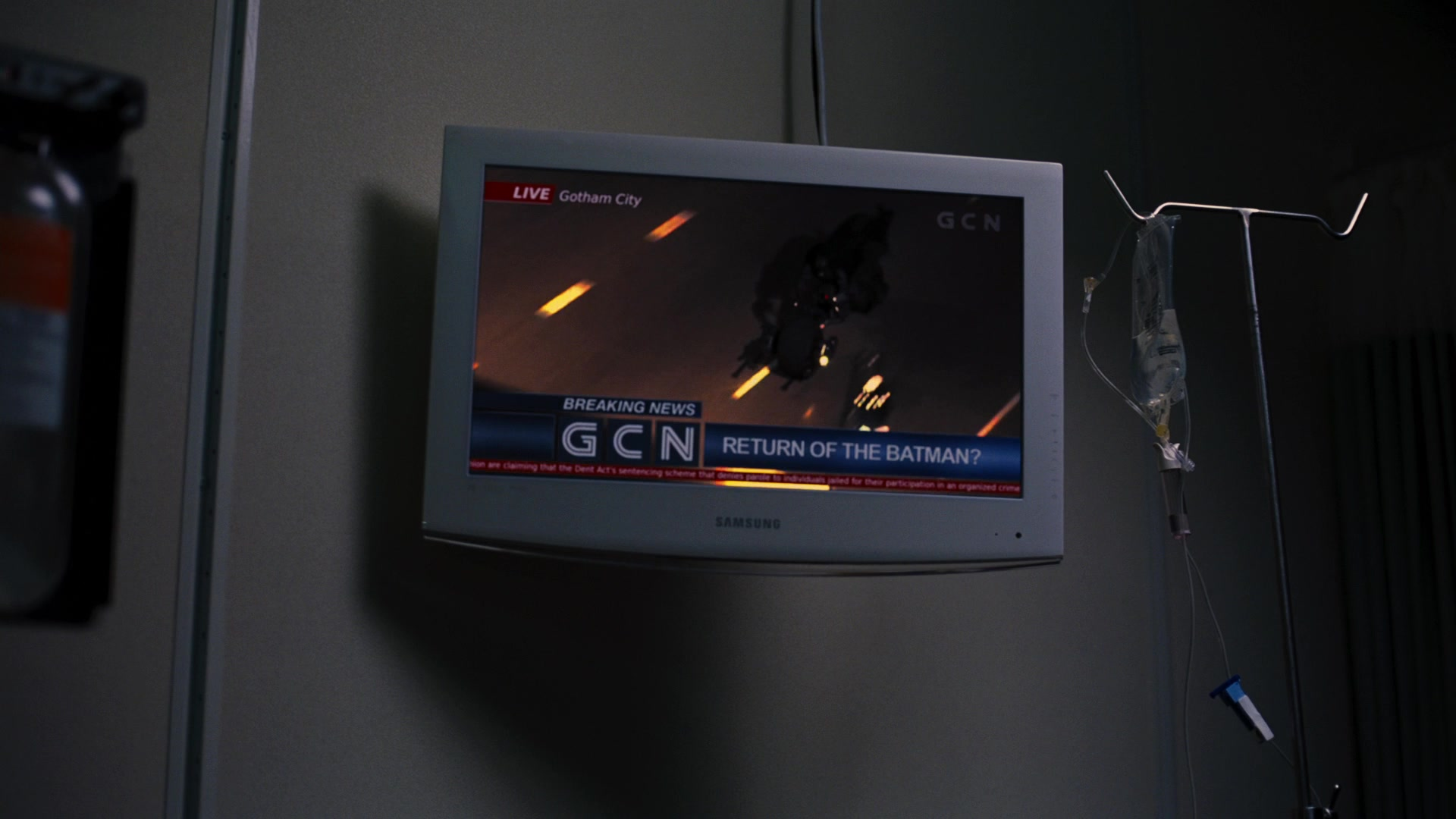Samsung TVs in THE DARK KNIGHT RISES (2012) - Movie Products