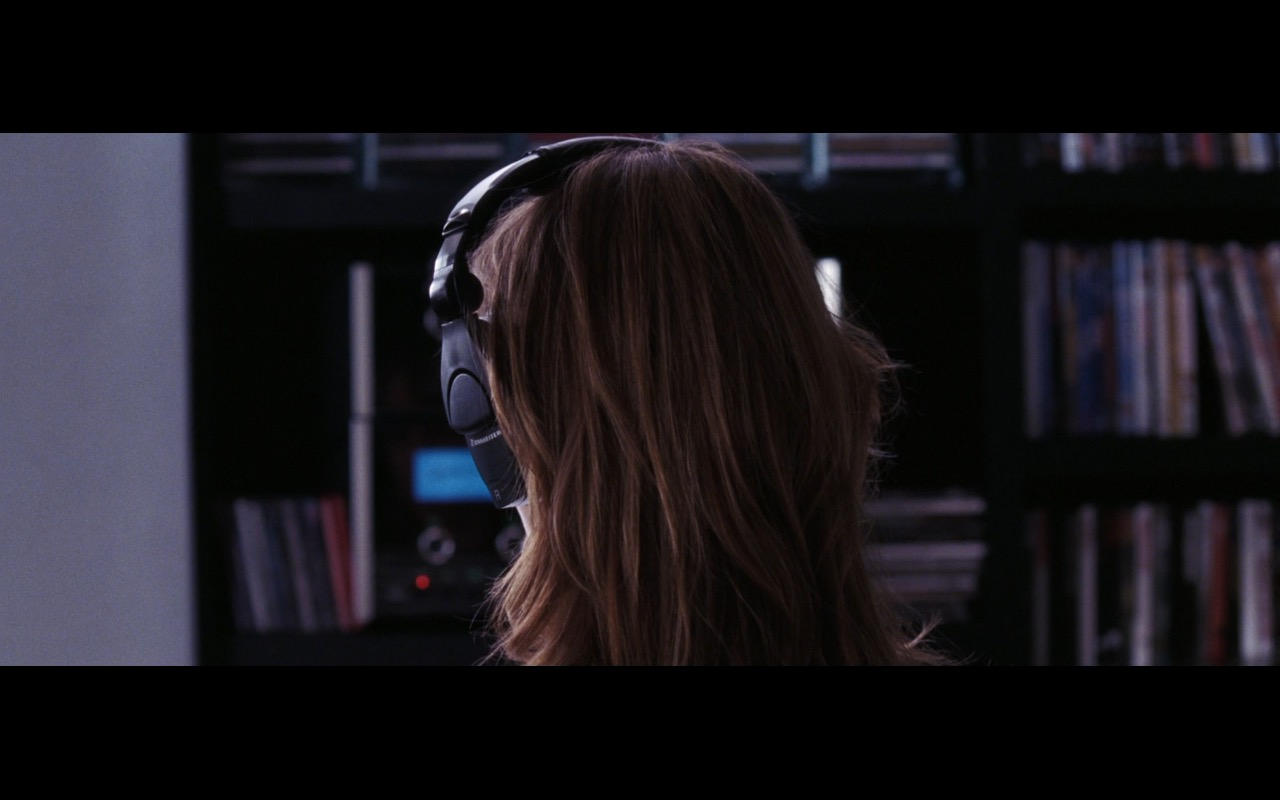 Sennheiser headphones - THE DEPARTED (2006) Movie Product Placement