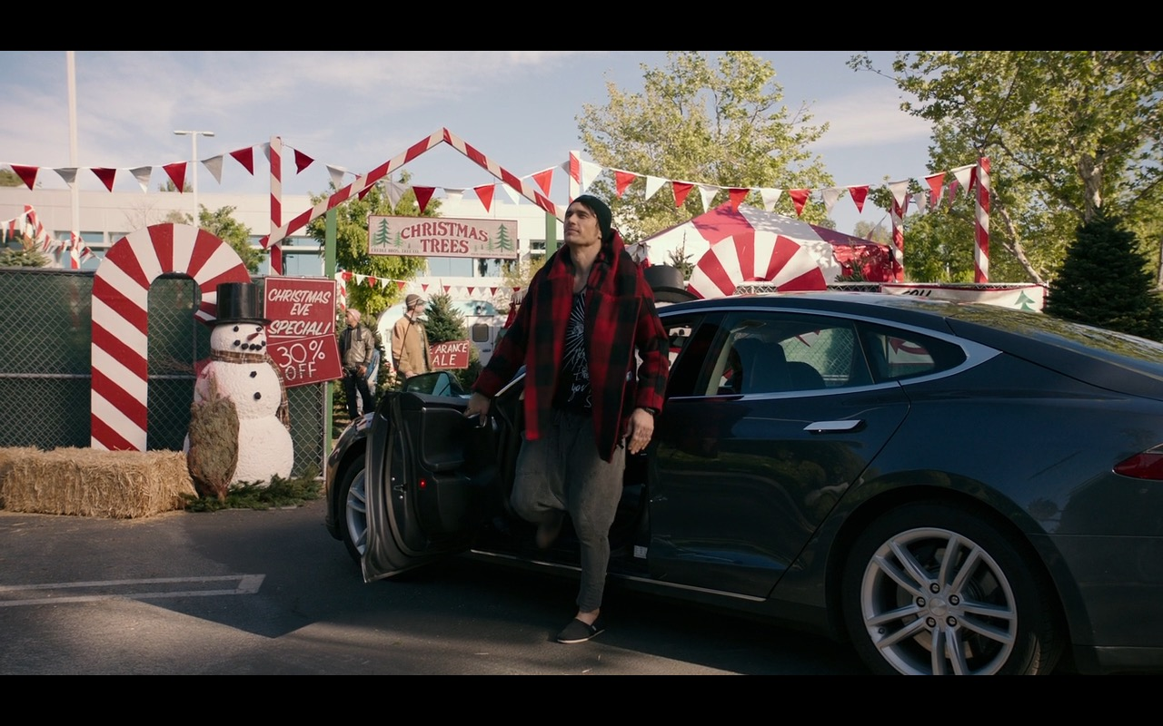 Tesla Model S Car – Why Him? (2016) Movie Product Placement