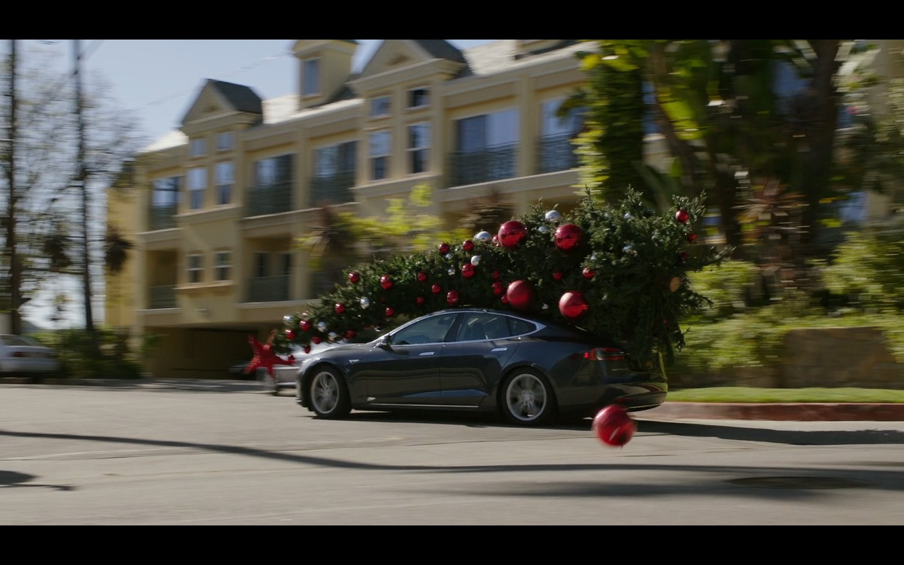 Tesla Model S Car – Why Him? (2016) - Movie Product Placement