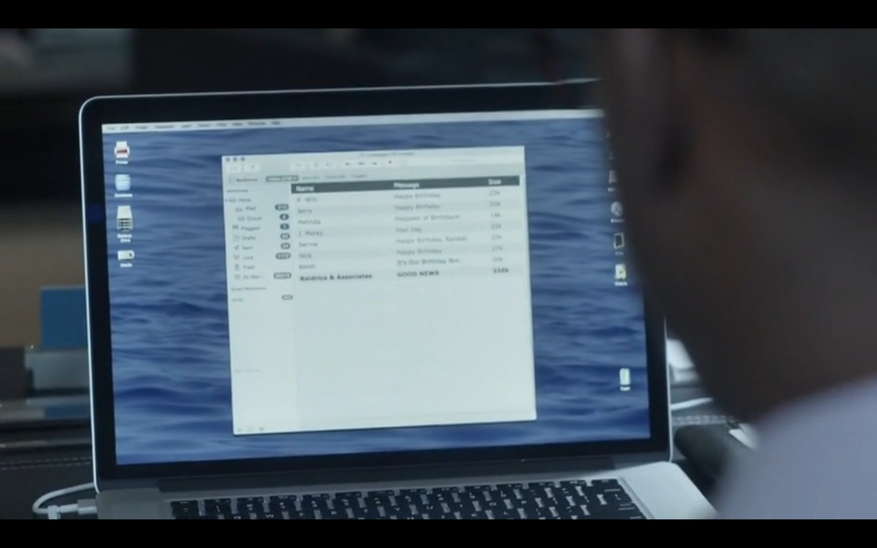 Apple MacBook Pro 15 - This Is Us - TV Show Product Placement