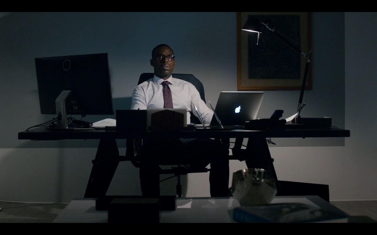 Apple MacBook - This Is Us TV Show Product Placement