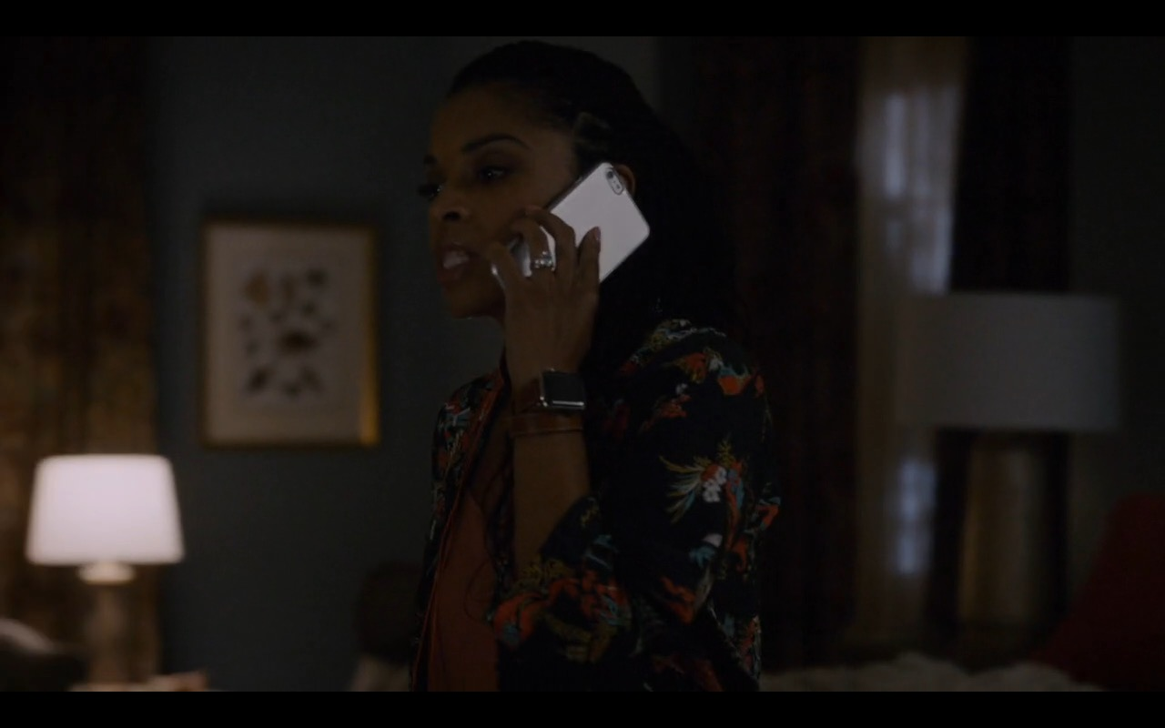 Apple Watch - This Is Us TV Show Product Placement