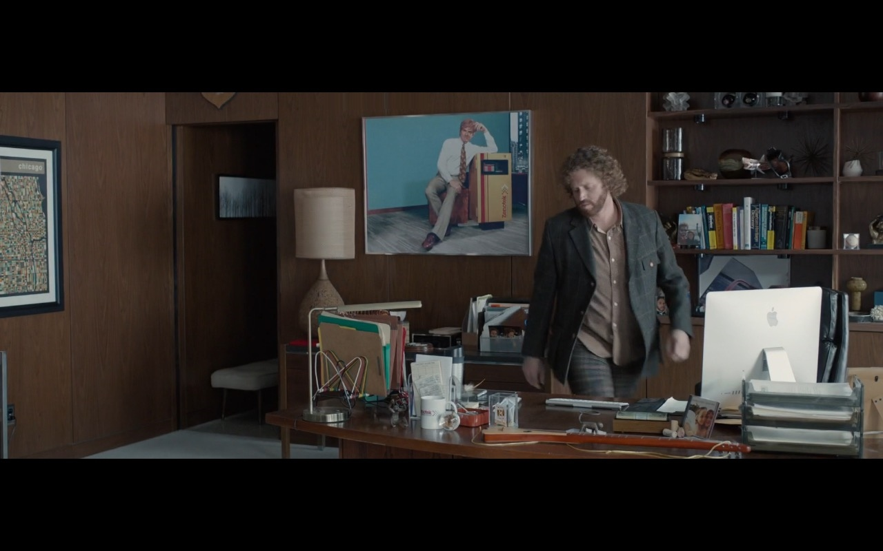 Apple iMac 21.5 Computers – Office Christmas Party (2016) Movie Product Placement