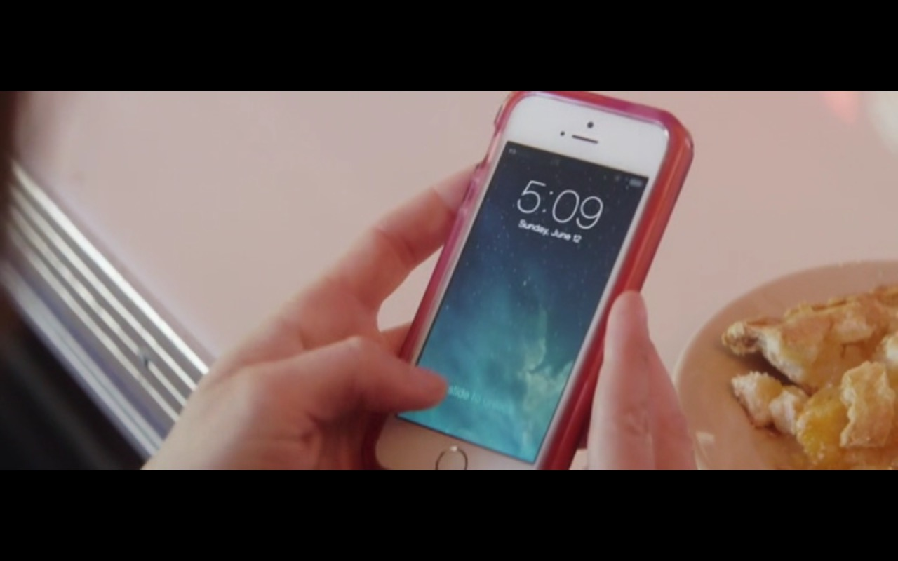 Apple iPhone 5/5s - Austin Found (2017) Movie Product Placement